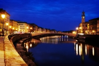 Pisa by night - Lungarno