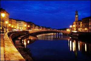 Picture: Pisa by night